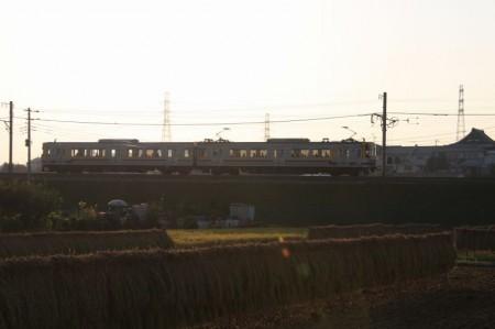 電車はたったの2両です。ほんと横浜市?