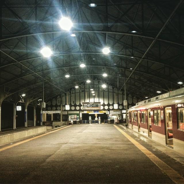 無人の吉野駅着、さぁ!
