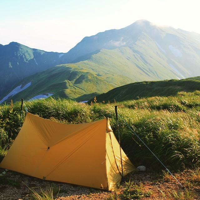 絶景のキャンプ地、御西岳避難小屋 #飯豊山 #Fastpacking #japanmountains